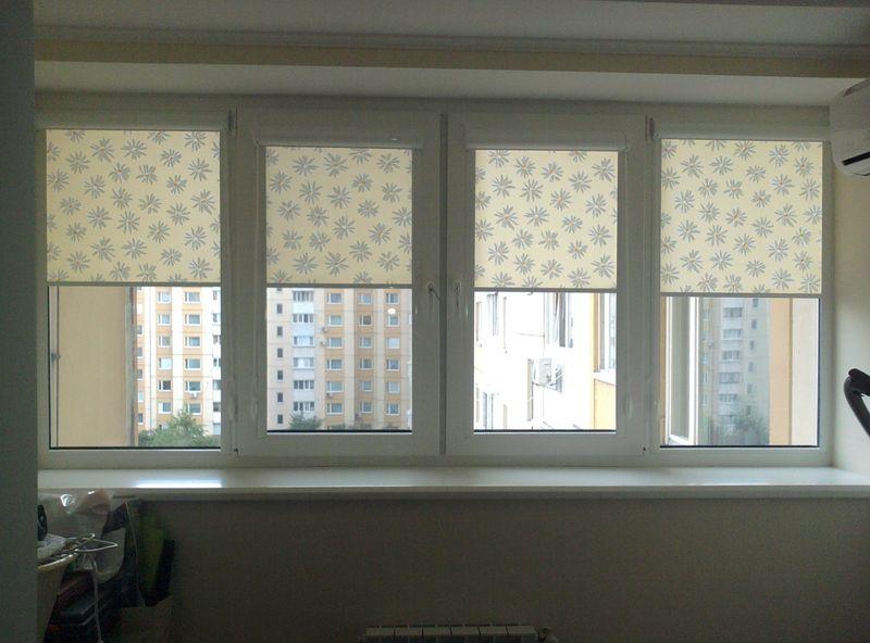 Рулонные шторы на утепленной лоджии многоэтажки